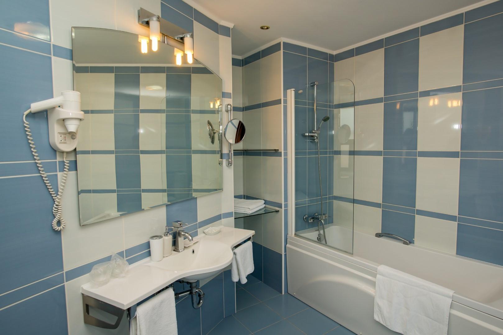 Camera dubla de lux